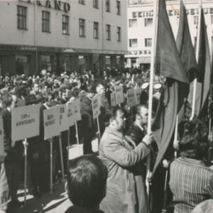 Työväen vappu Keskustorilla 1972