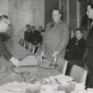 Kirjoituskonelahjoitus 1955